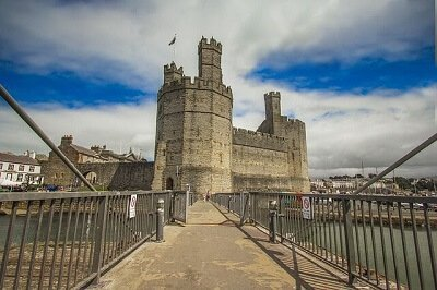 Visit Caernarfon Castle after your London house moving