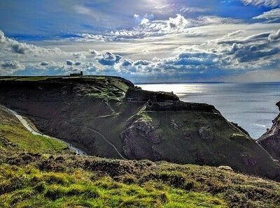 Visit Tintagel castle after your house moving to London