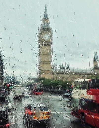 house move to London in the rain