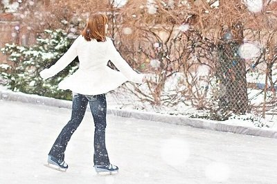 store your ice skates in a London storage